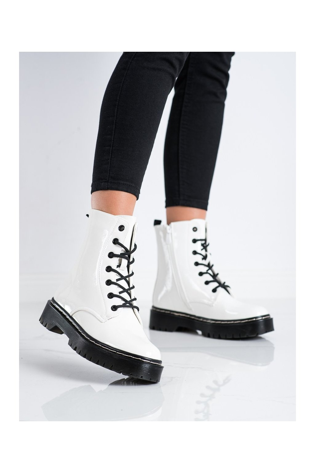 Biele dámske topánky S. barski kod 56W