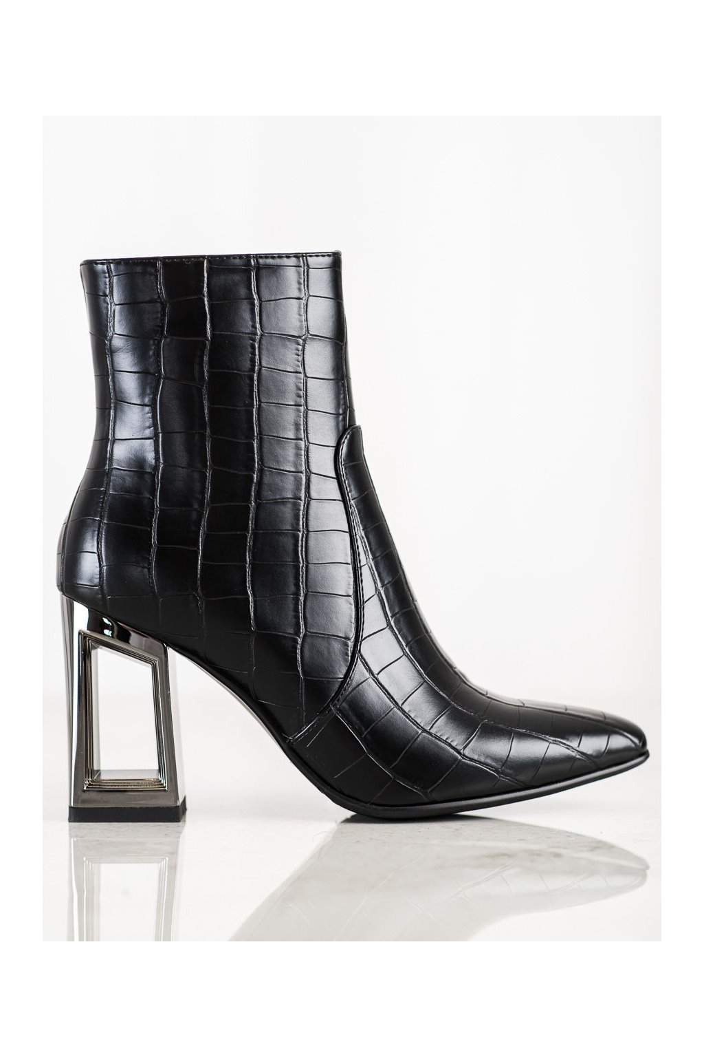 Čierne dámske topánky S. barski kod K23B