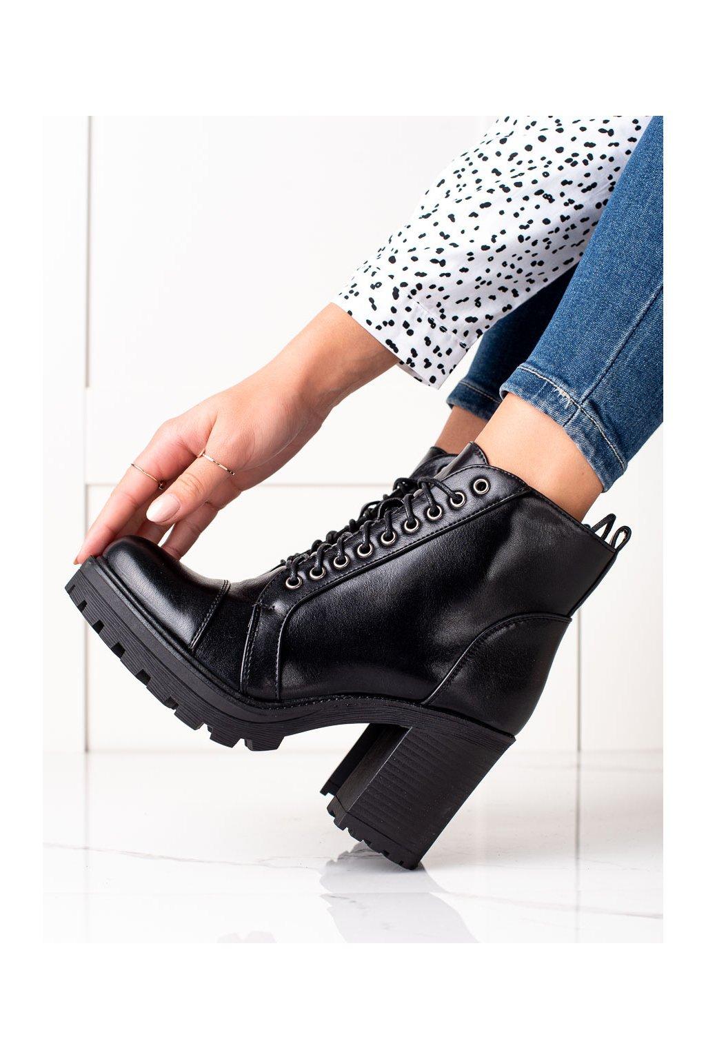 Čierne dámske topánky Sweet shoes kod D7702B