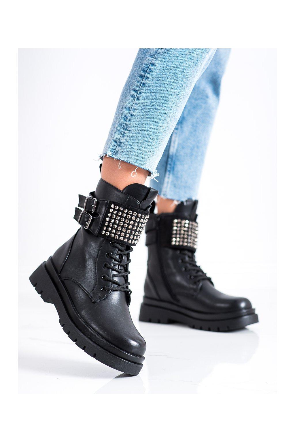 Čierne dámske topánky Evento kod 21BT35-4258B