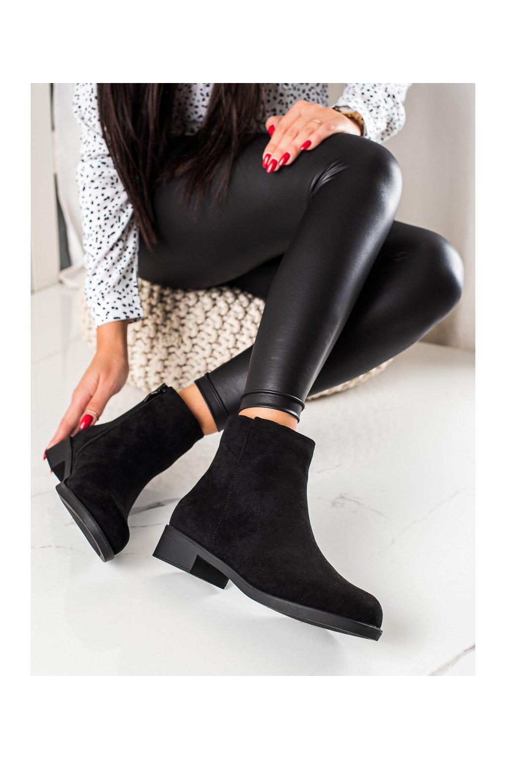 Čierne dámske topánky Mannika kod 6215B