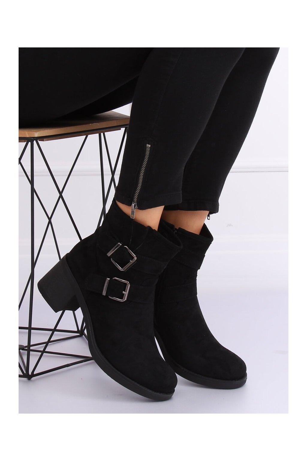 Dámske členkové topánky čierne na širokom podpätku TX-1815
