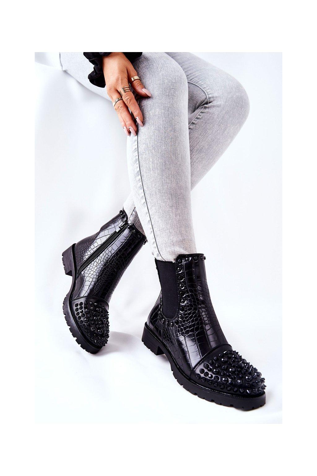 Členkové topánky na podpätku farba čierna kód obuvi CLS-81 BLK