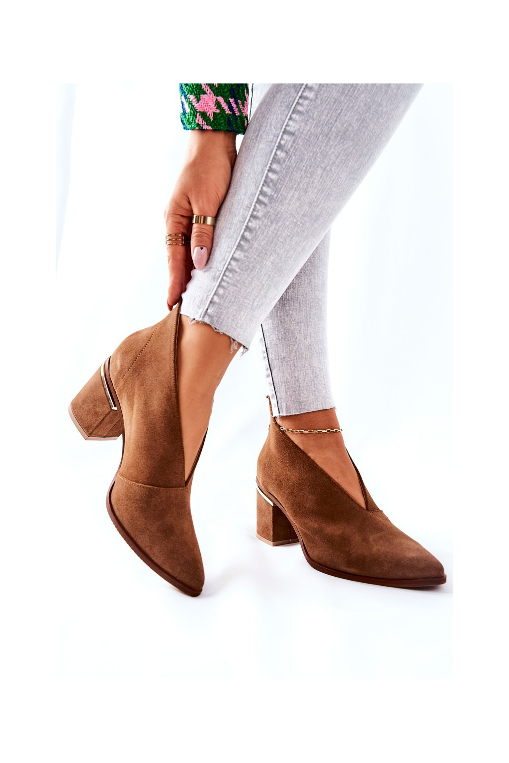 Členkové topánky na podpätku farba hnedá kód obuvi 2344 504 Brown