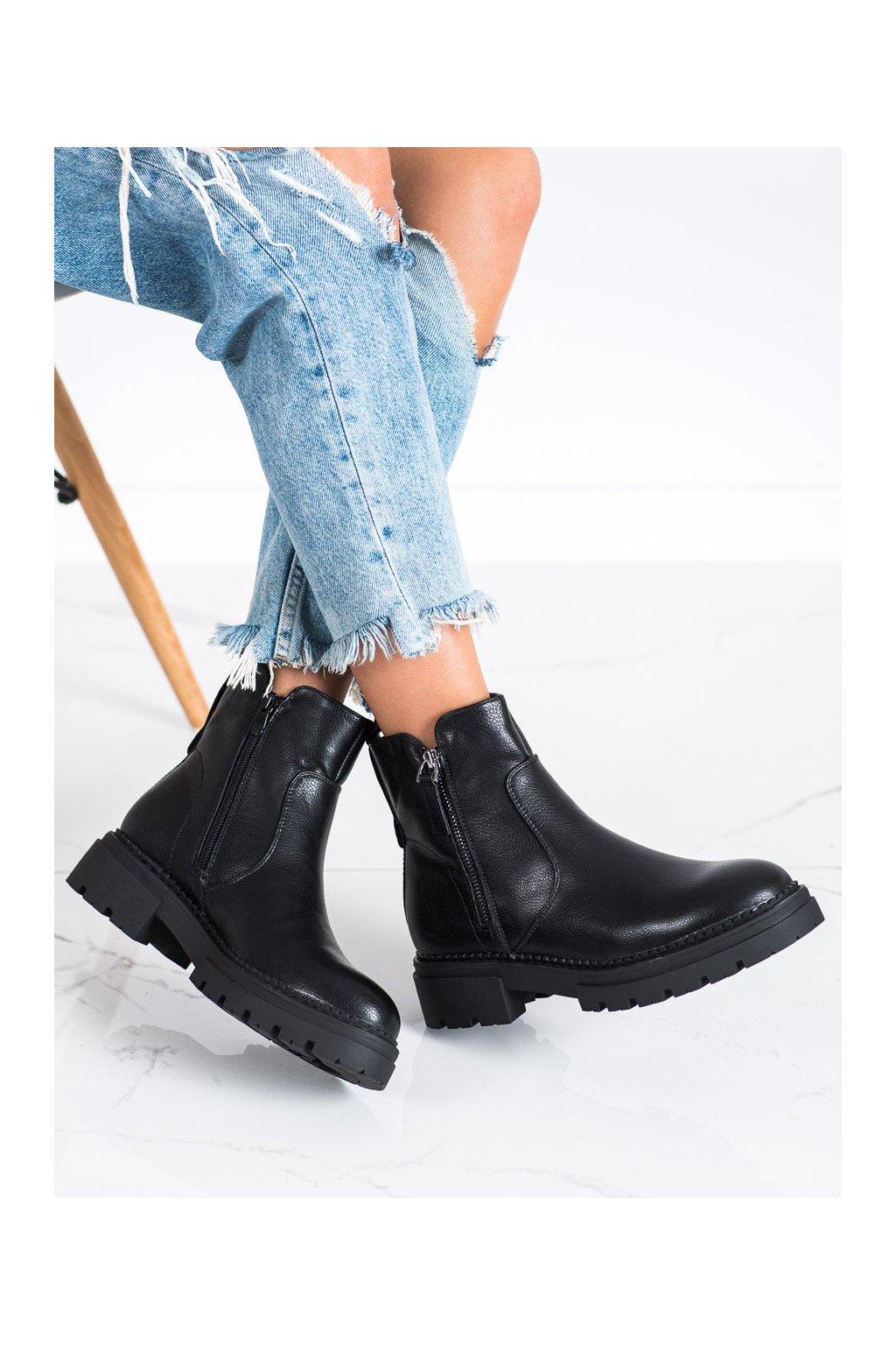 Čierne dámske topánky Evento kod 21BT35-4213B