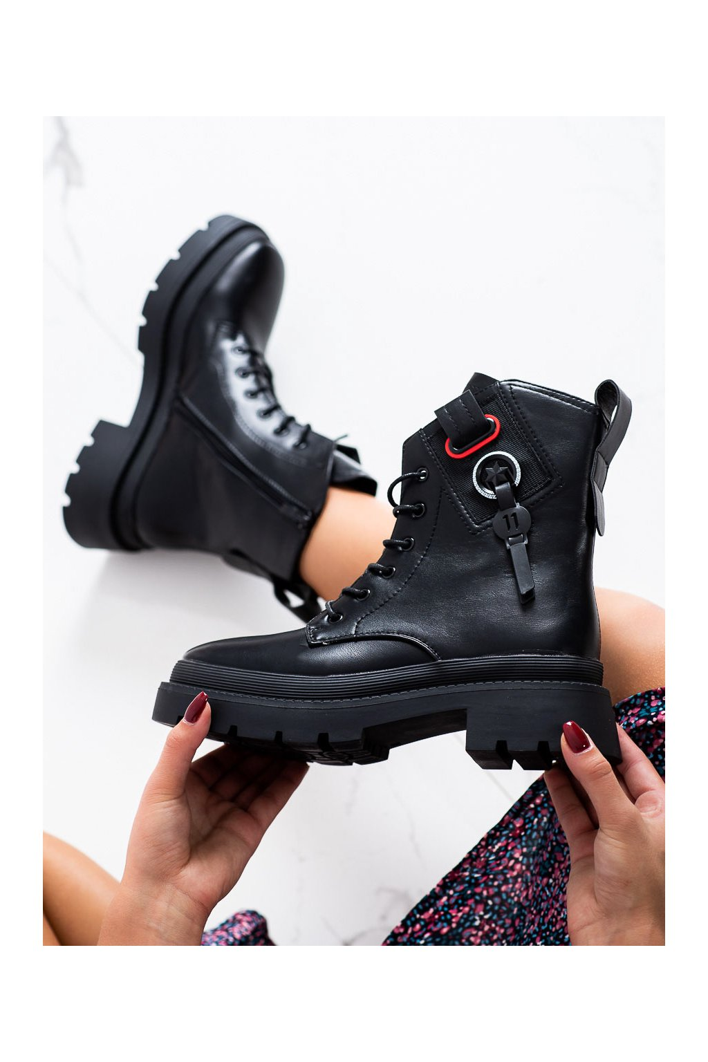 Čierne dámske topánky Seastar kod DA72B