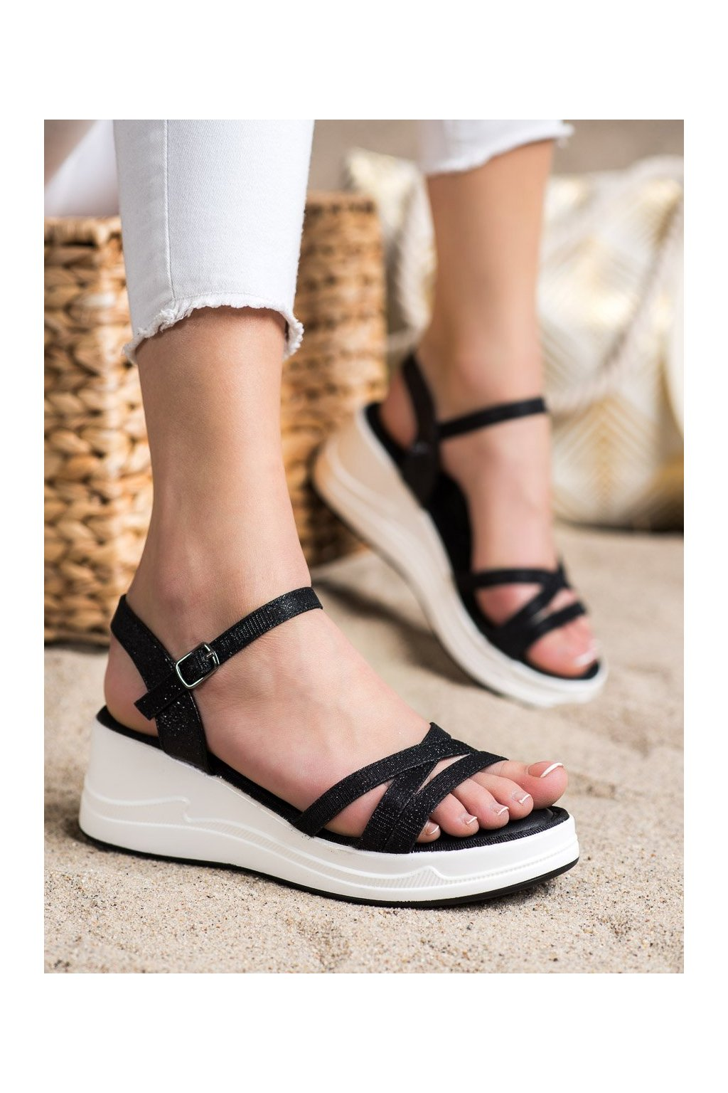 Čierne dámske sandále Small swan kod XH02B