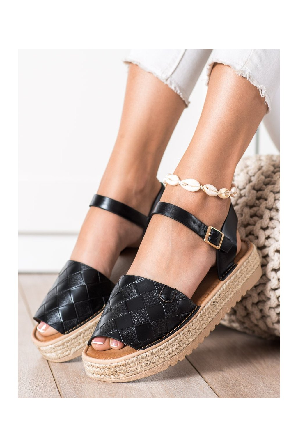 Čierne dámske sandále Trendi kod HM82023B