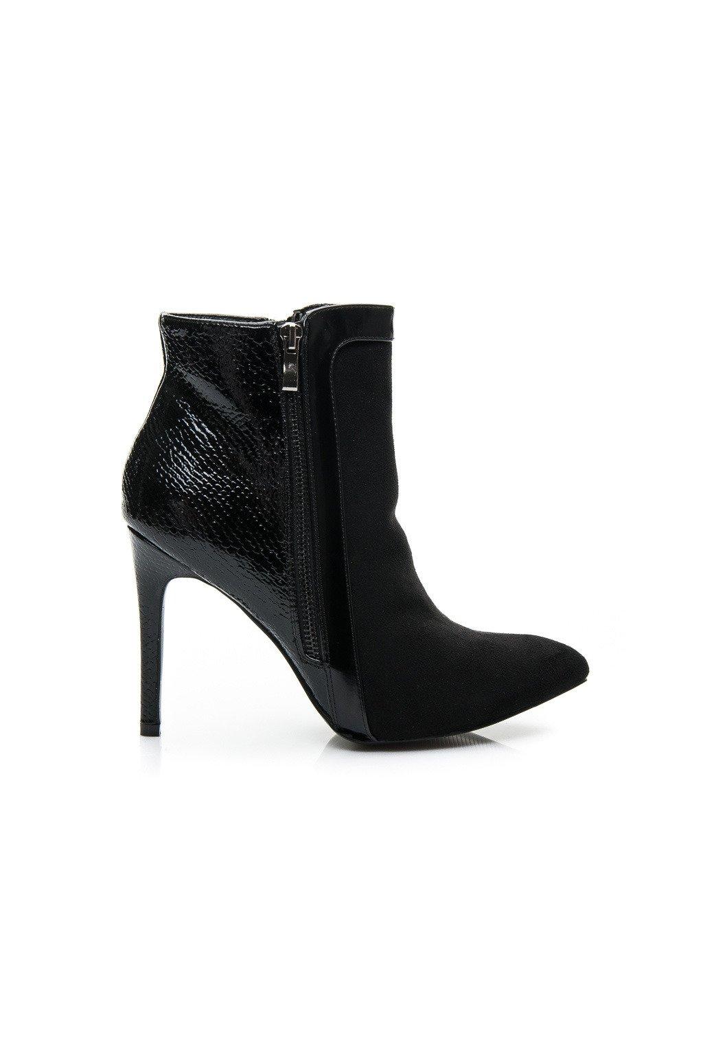 b520925802 Čierne topánky na vysokom opätku L899B   S2-67P veľ.č. 38