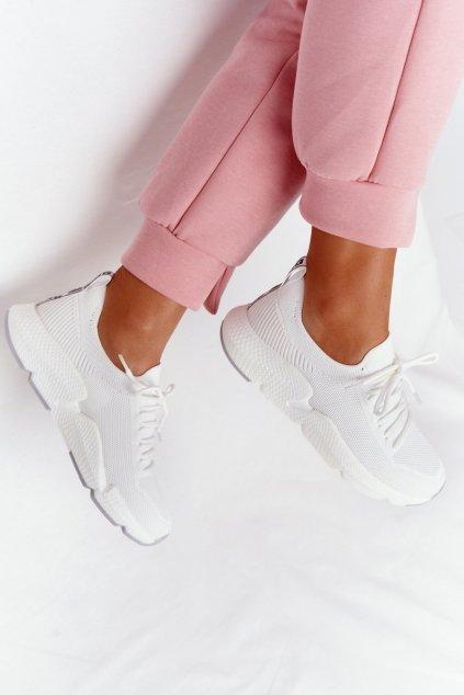 Dámske tenisky farba biela kód obuvi DD274575 WHITE