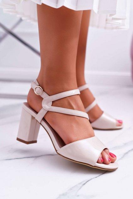 Dámske sandále na podpätku farba hnedá kód obuvi SK844 NUDE LAK