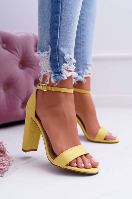 Dámske sandále na podpätku farba žltá kód obuvi J76-12 YELLOW