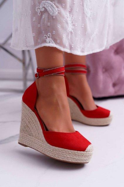 Dámske sandále na platforme farba červená kód obuvi 100-932 RED