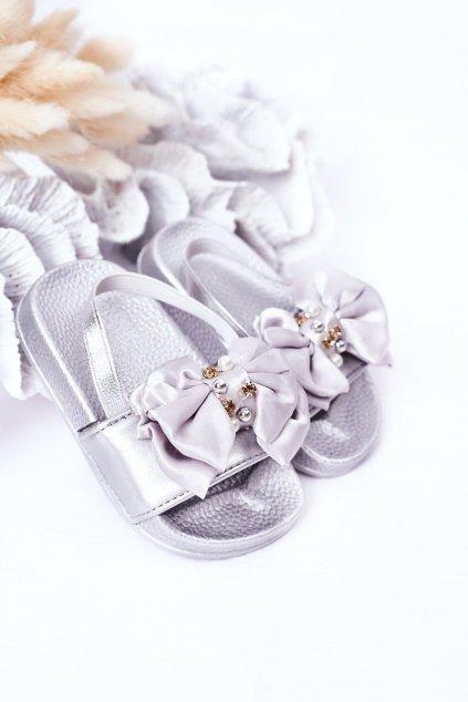 Detské Dievčenské šľapky s perlama strieborné Senari