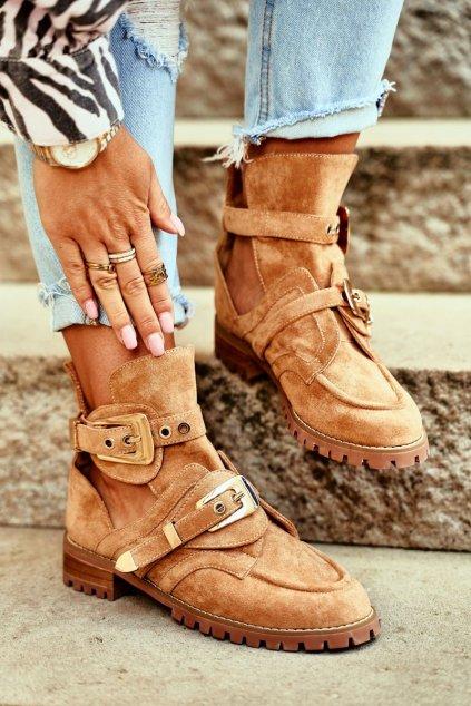 Členkové topánky na podpätku farba hnedá kód obuvi XW37266 CAMEL SUEDE