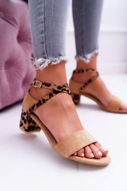 Dámske sandále na podpätku farba hnedá kód obuvi FC-6711 CAMEL