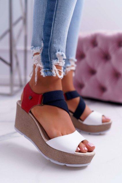 Dámske sandále na platforme B. Star Slip on DD276034