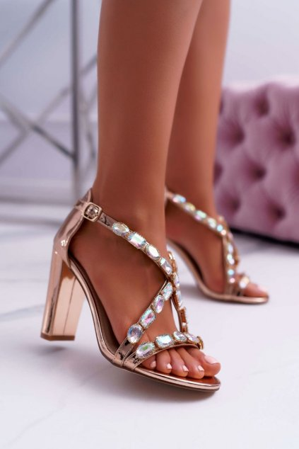 Dámske sandále na podpätku farba ružová kód obuvi 8258-1 ROSE GOLD