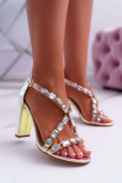 Dámske sandále na podpätku farba ružová kód obuvi 8258-1 PINK