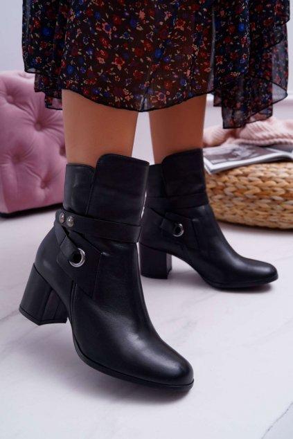 Členkové topánky na podpätku farba čierna kód obuvi 1820 BLK