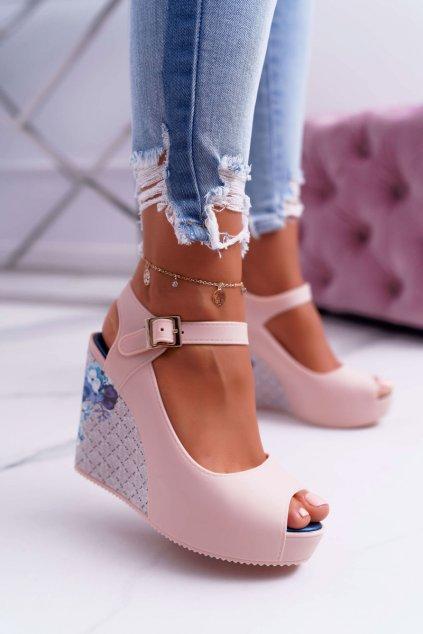 Ženské béžové sandále na klíny Nemesis