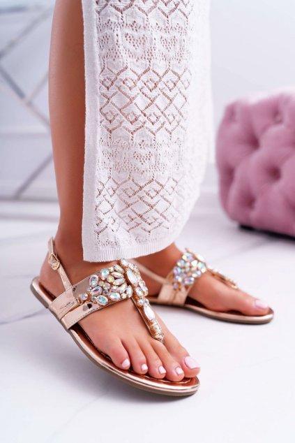 Dámske sandále s plochou podrážkou farba ružová kód obuvi MARLO-18 ROSE GOLD