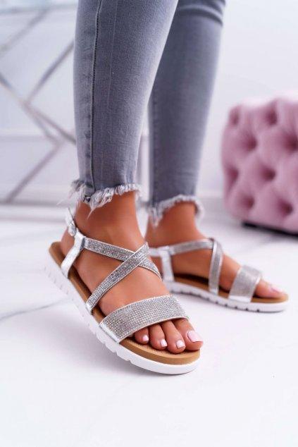 Dámske sandále s plochou podrážkou farba sivá kód obuvi 406-5 SILVER
