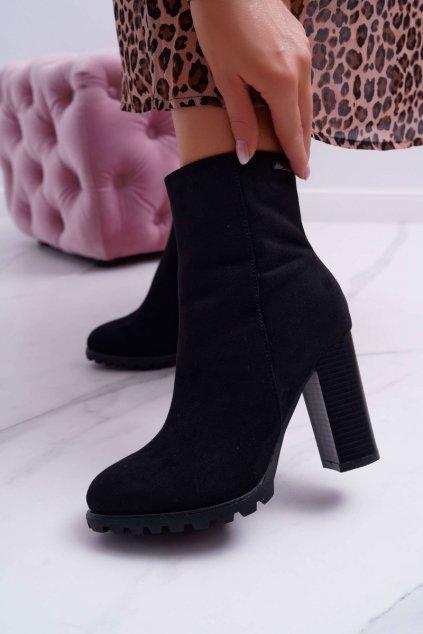 Členkové topánky na podpätku farba čierna kód obuvi 9BT35-1486 BLK