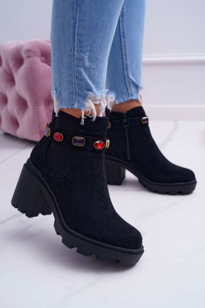 Dámske členkové topánky na podpätku čierne Makbet