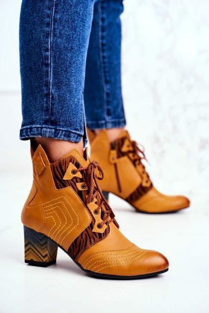 Členkové topánky na podpätku farba hnedá kód obuvi 03194-07/00-5 YELLOW