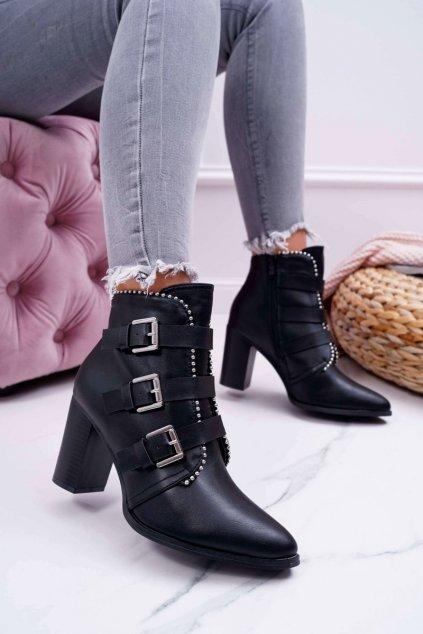 Členkové topánky na podpätku farba čierna kód obuvi C627 BLK
