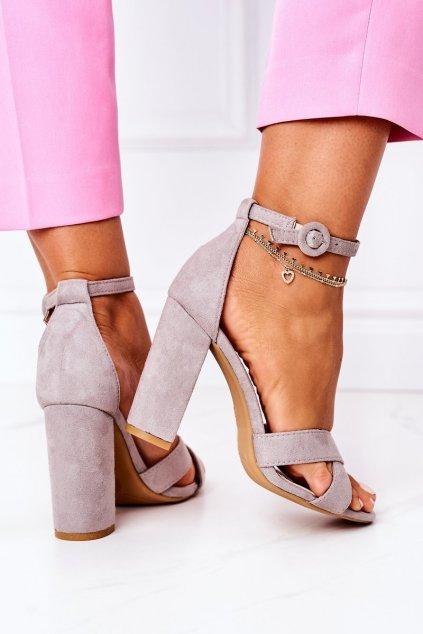 Dámske sandále na podpätku farba sivá kód obuvi TU133 GREY