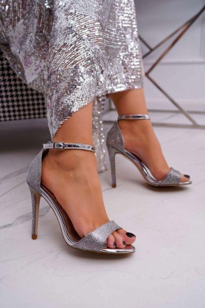 Dámske Sandále na podpätku s brokátom strieborné Fiver