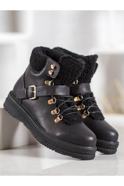 Čierne dámske topánky na plochom podpätku Vices kod 8317-1B