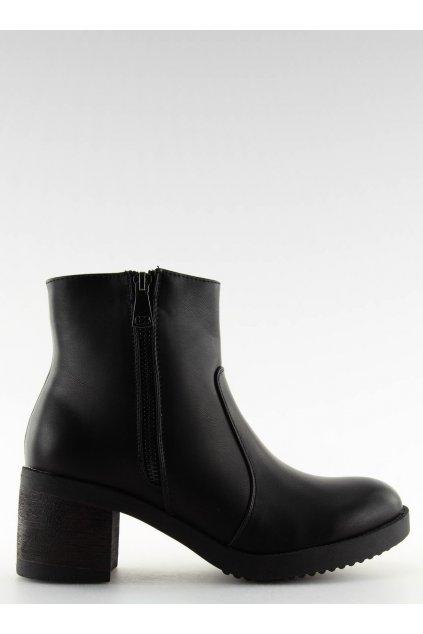 Dámske členkové topánky čierne na širokom podpätku VQ-24