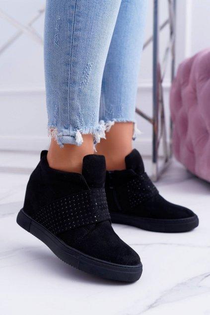 Dámske tenisky farba čierna kód obuvi XW37332 BLK SUEDE