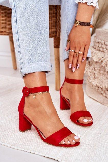Dámske sandále na podpätku farba červená kód obuvi 20SD98-1617 RED MIC