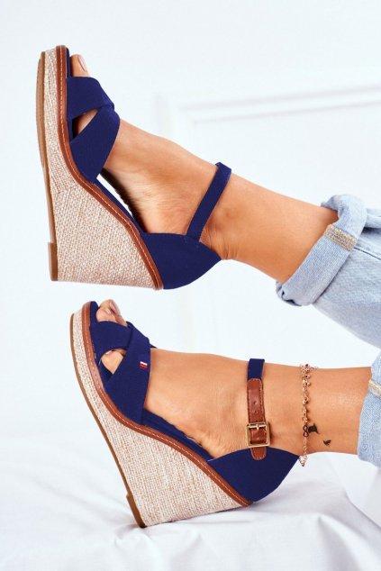 Dámske sandále na platforme farba modrá kód obuvi R133P BLUE
