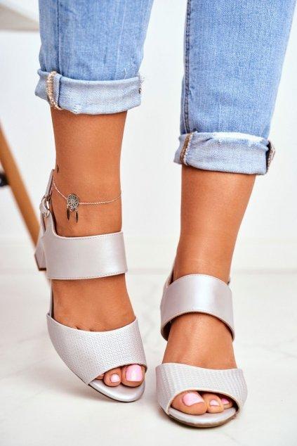 Dámske sandále s plochou podrážkou farba sivá kód obuvi SK778 SILVER