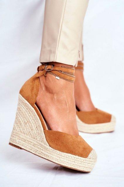 Dámske sandále na platforme farba hnedá kód obuvi 100-932 CAMEL