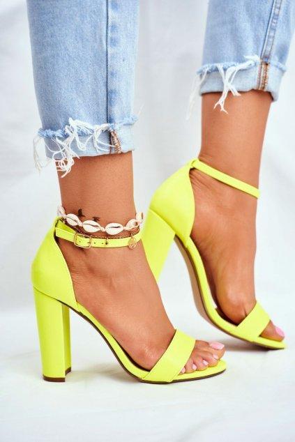 Dámske Sandále na podpätku Semišové neonove žlté Anastasie