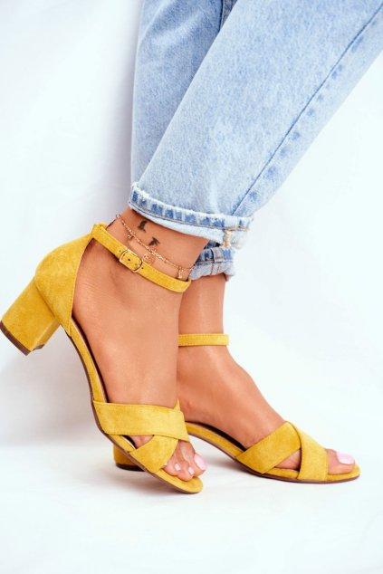 Dámske sandále na podpätku farba žltá kód obuvi F189P YELLOW