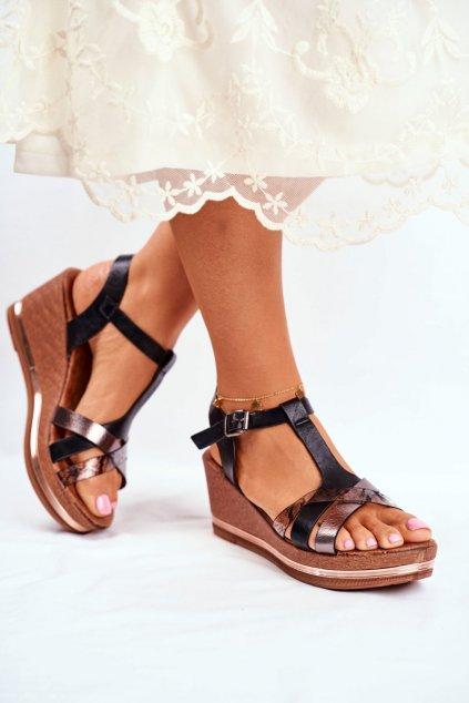 Dámske sandále na platforme farba čierna kód obuvi 20SD98-1620 BLK
