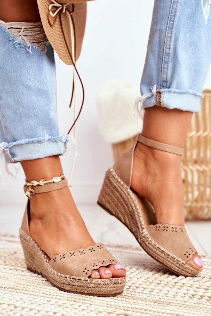 Dámske sandále na platforme farba hnedá kód obuvi 9SD98-0953 BEIGE