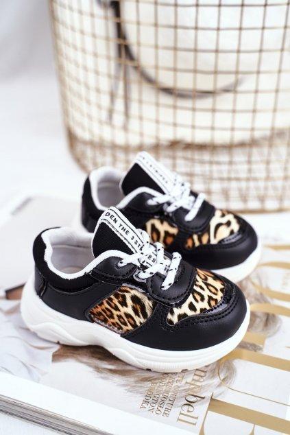 Dámske tenisky farba čierna kód obuvi 802 BLK