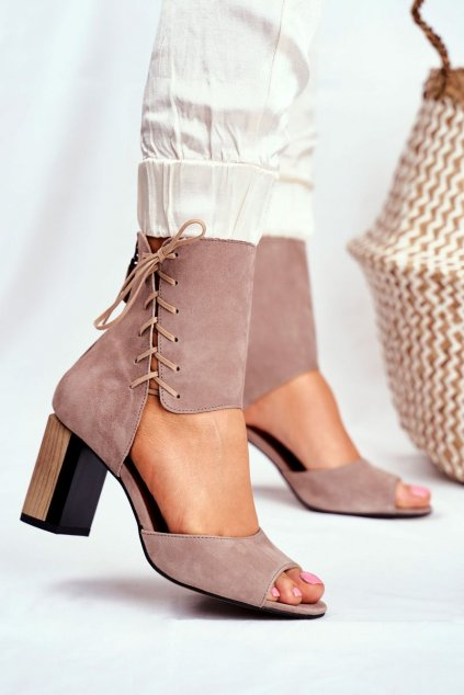 Dámske sandále na platforme farba hnedá kód obuvi 04122-04/00-5 BEŻ