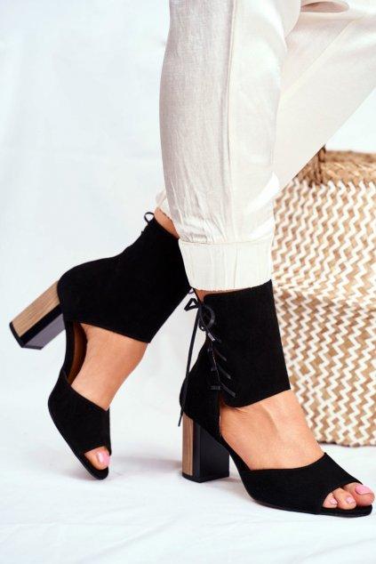Dámske sandále na platforme farba čierna kód obuvi 04122-01/00-5 CZARNY