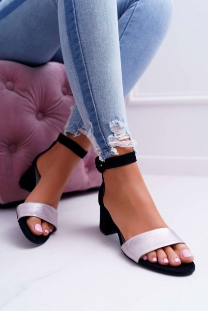 Dámske sandále na podpätku farba čierna kód obuvi 04141-01/00-5 BLK/PINK