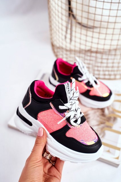 Dámske tenisky farba čierna kód obuvi 893 BLK
