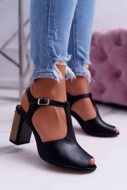 Dámske sandále na podpätku farba čierna kód obuvi 04117-01/00-1 BLK